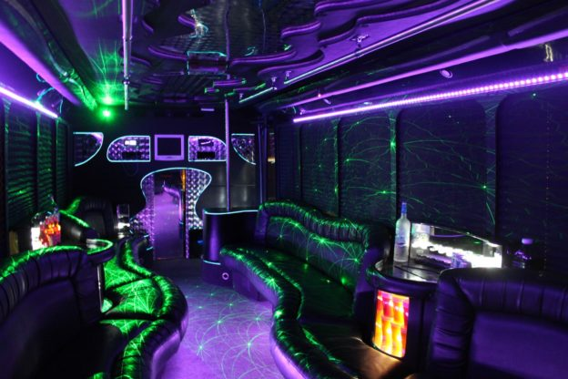 TIPS FOR PARTY BUS OR LIMO RENTAL